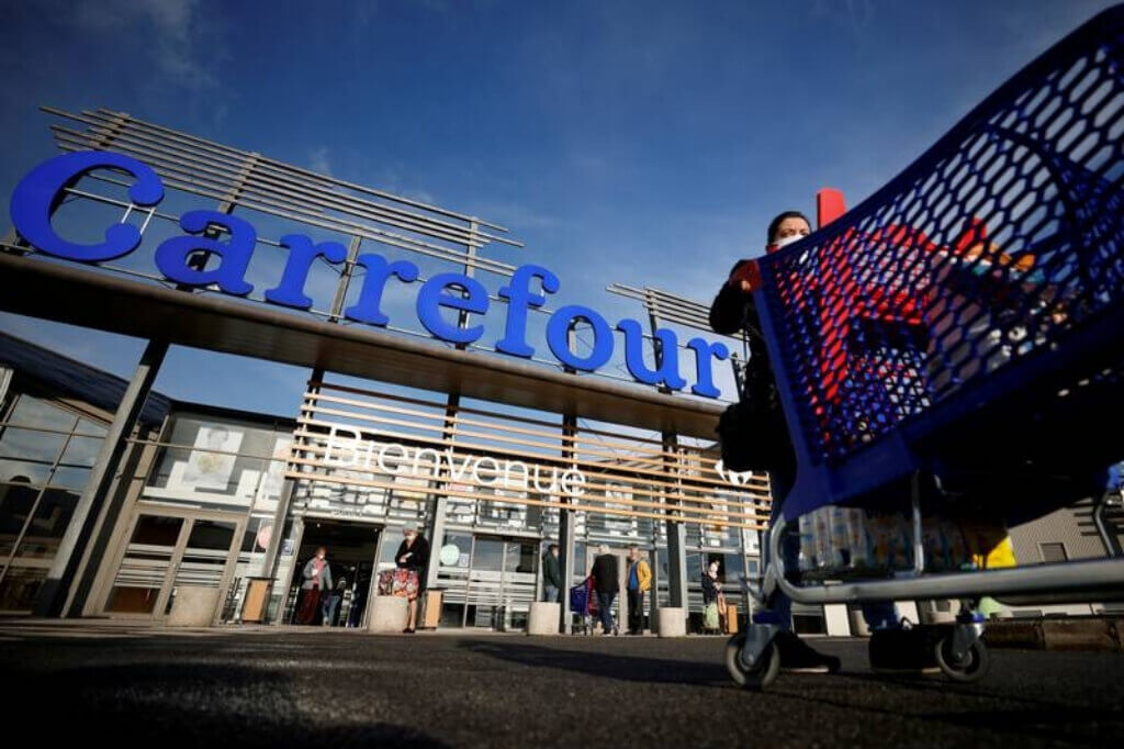 couche-tard-and-carrefour-seek-cooperation-after-takeover-scrapped